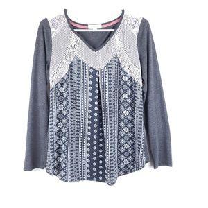 Taylor & Sage Lace Long Sleeve Top Size Medium